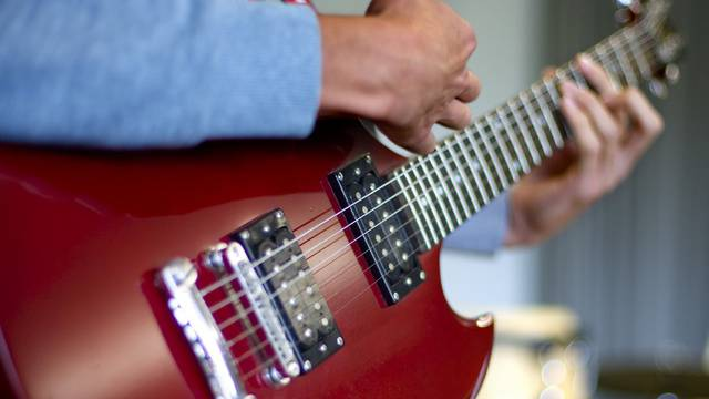 Die Möglichkeit, das Gitarrenspiel zu lernen, soll jedem zustehen