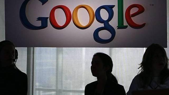 Google stellt sich mit Smartphone in den Mittelpunkt