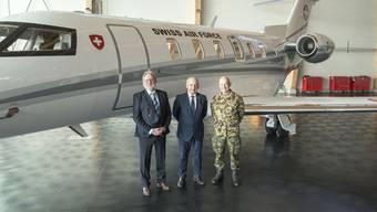 Bundespräsident Maurer übernimmt den PC-24 in Bern..