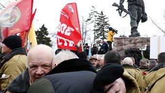 Hunderte Veteranen gedachten am Freitag in Moskau des Abzugs der Sowjetarmee aus Afghanistan vor 30 Jahren.