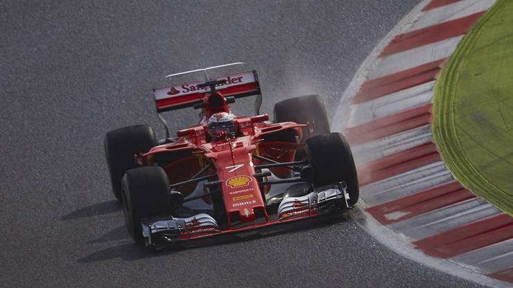 Der Traditions-Rennstall aus Maranello hat eine enttäuschende Saison hinter sich. Die Piloten Sebastian Vettel und Kimi Raikönnen konnten kein Rennen gewinnen. Dieses Jahr soll es besser werden.