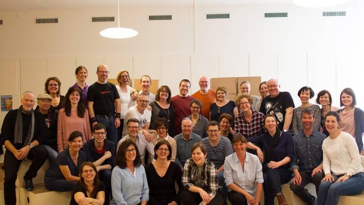 Am Probensonntag feilten die 40 Sängerinnen und Sänger des Oltner Mixed-up-Chors an der Show des neuen Programms CHATBOX, das am 16. März in Aarau Premiere feiert.