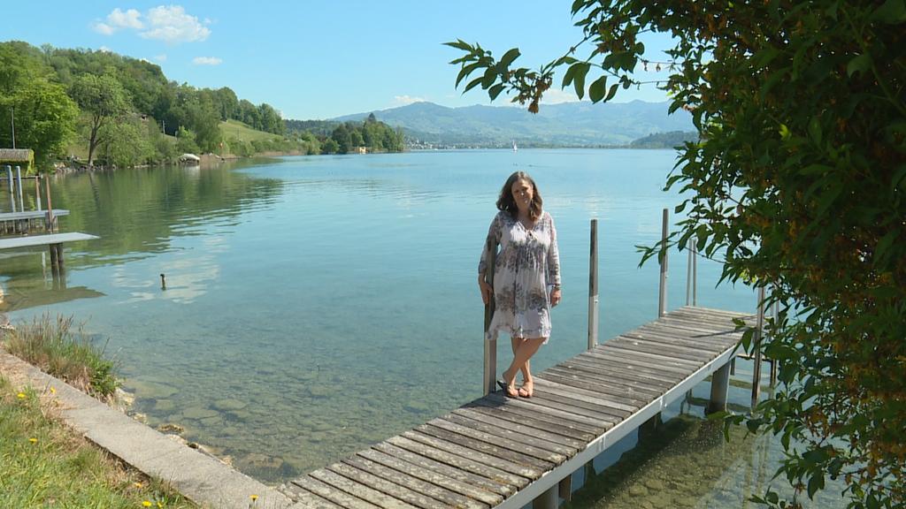 Nathalie zeigt ihre Wohnung mit Schiffsteg am Obersee