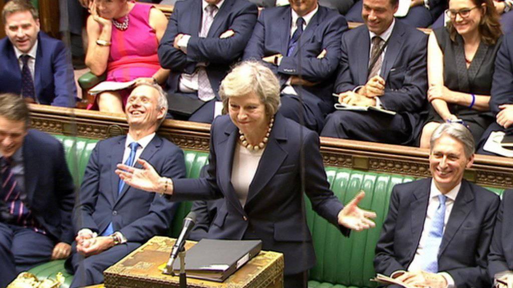 Heitere Stimmung während der ersten Fragestunde von Premierministerin Theresa May im britischen Parlament.