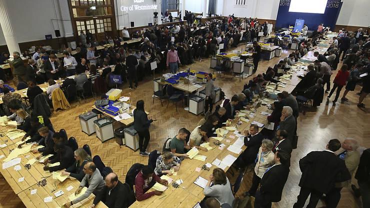 Stimmenauszählung in Westminster, London: Hier konnten die Tories ihre Mehrheit trotz Verlusten behaupten.