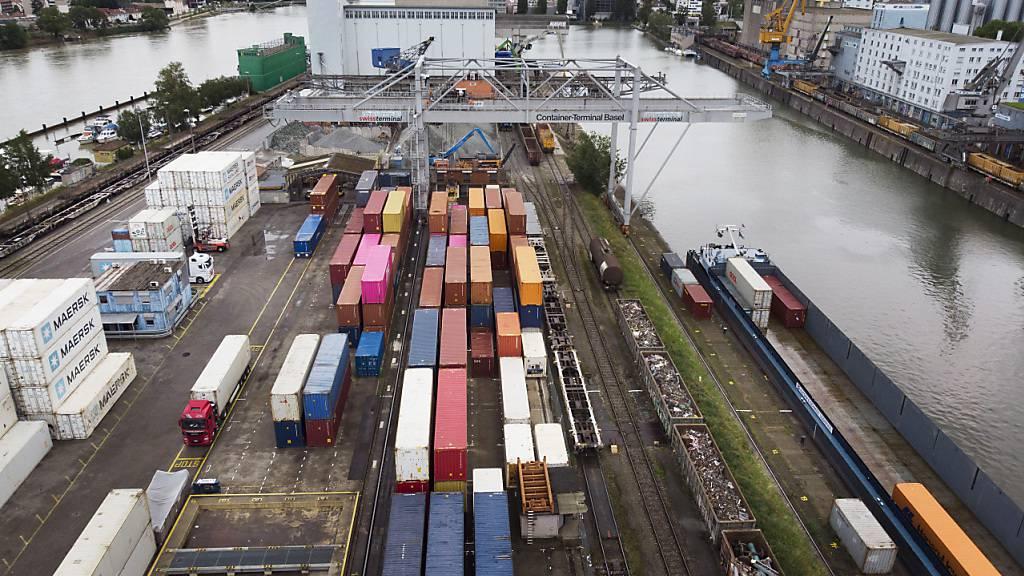 Schweizer Exporte legen im November wieder zu