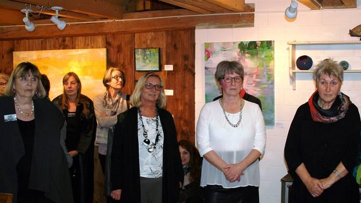 Vernissage der Frühlingsausstellung mit Präsidentin Pamela Ceresola, Silvia Seifert, Maya Skillmann und Judith Huggler (von links).