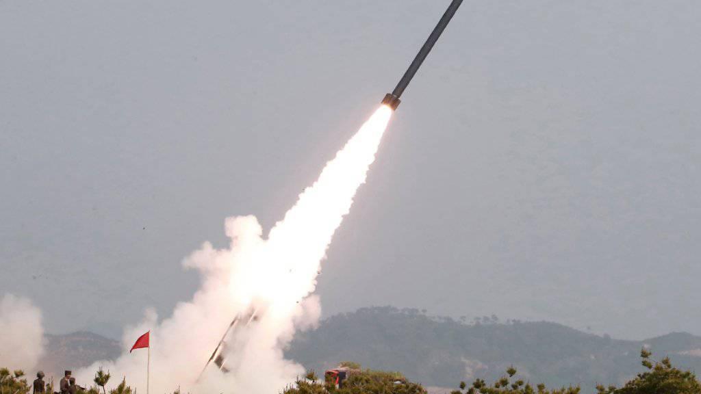 Nordkorea hat zwei Kurzstreckenraketen ins Meer abgefeuert