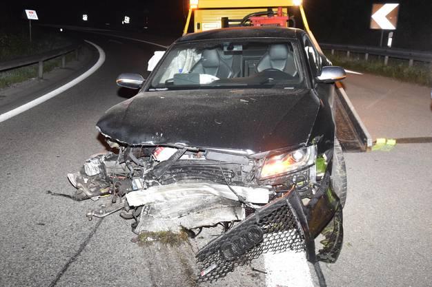 Deitingen SO, 17. August: Die Polizei findet auf dem Autobahn-Übergang von der A1 auf die A5 ein stark demoliertes Auto. Der Lenker ist allerdings verschwunden.