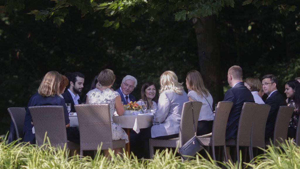«Deutschland ist ein Einwanderungsland, das wird auch in Zukunft so sein», sagte Steinmeier im Park von Schloss Bellevue.