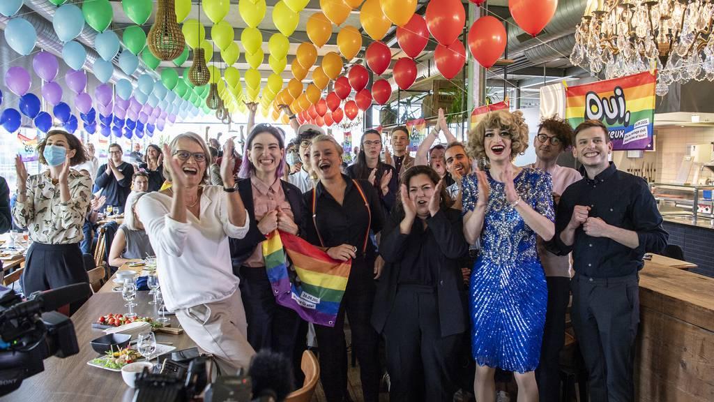 Alle Kantone sagen Ja zur Ehe für alle – und alle Nein zur 99-Prozent-Initiative