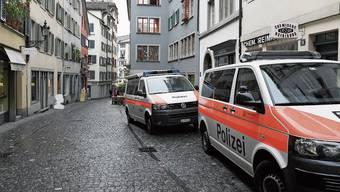 Die Stadtpolizei Zürich im Einsatz: Seit November 2017 werden die Nationalitäten von Tatverdächtigen nicht mehr genannt.