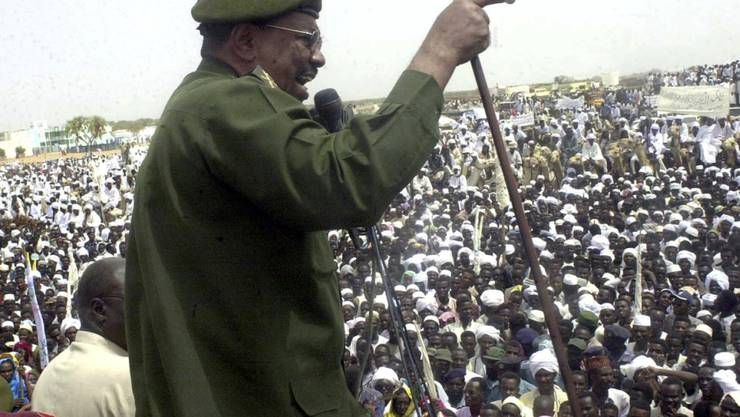 Ein amtierendes Staatsoberhaupt ist nach einem Urteil des Weltstrafgerichtes nicht durch Immunität geschützt vor internationaler Strafverfolgung. Jordanien hätte den nun abgesetzten Staatspräsidenten des Sudan, Omar al-Baschir (im Bild), 2017 festnehmen und ausliefern müssen. (Archivbild)