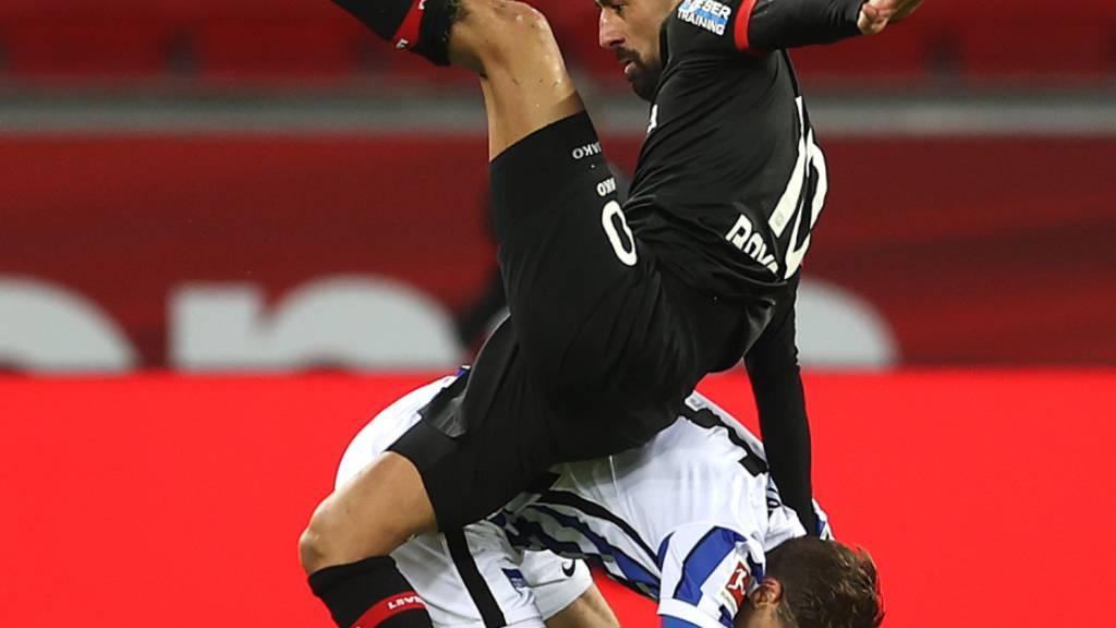Leverkusen verpasst Sprung auf Platz 2