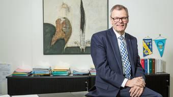 Blickt zuversichtlich in die Zukunft: Otto Müller – hier in seinem Büro – verabschiedet sich aus der Politik.