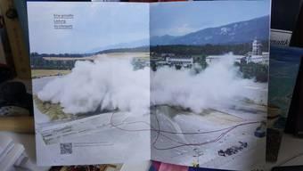 Damit Neues entstehen konnte, musste zuerst Altes weichen. Foto und Video (QR-Code) zeigen die Sprengung am 17. Juli 2015.