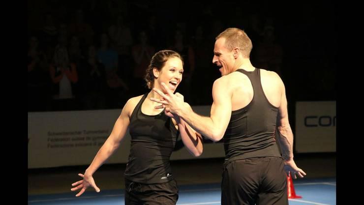 Die Freude am Sport ist sichtbar, wenn Ramona Probst zusammen mit Michel Anken im Paaraerobic auftritt.