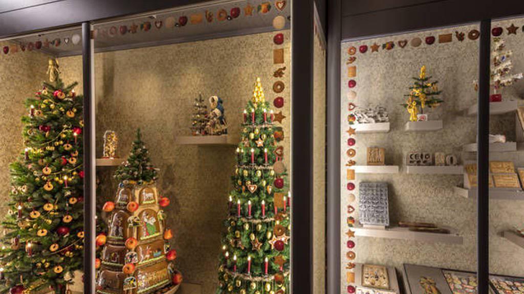 Nicht erstaunlich, wenn einen beim Besuch der Ausstellung zu essbaren Weihnachtsdekorationen der Heisshunger befällt. Die Schau ist vom 18. November bis am 11. Februar im Spielzeug Welten Museum in Basel zu sehen.