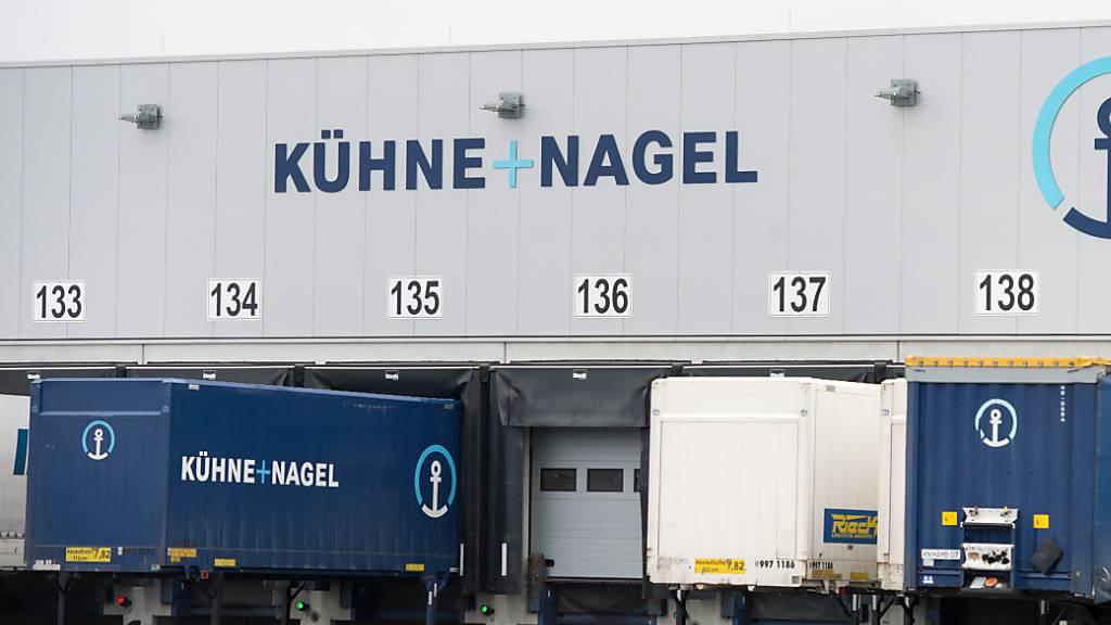 Der Logistikdienstleister Kühne+Nagel hat vergangenes Jahr auch dank guter Kostenkontrolle zum Wachstumskurs zurückgefunden. (Symbolbild)