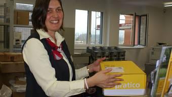 Jasmin Shum freut sich die Kundschaft in der neuen Poststelle begrüssen zu dürfen
