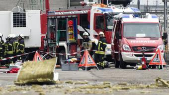 Am 16. Februar 2016 kam es bei der Rohner AG schon einmal zu einem Chemieunfall. Im Vergleich zum Rohrbruch war dieser weitherum sichtbar: Es kam zu einer Explosion mit anschliessendem Brand. (Archiv)