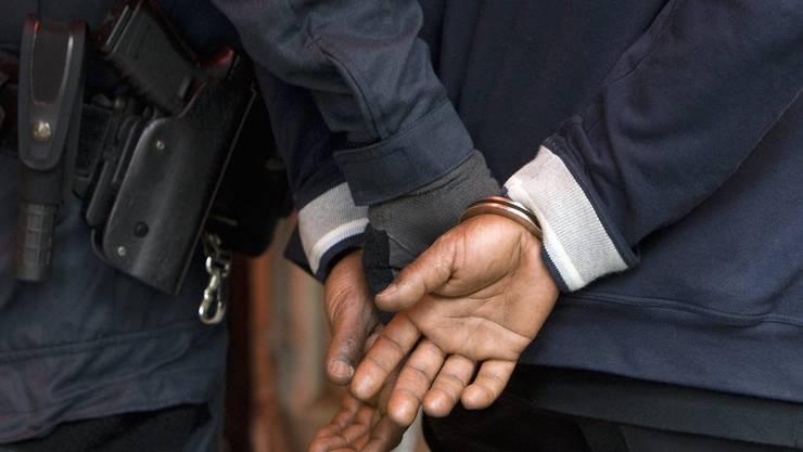 Der Wochenkommentar über die Forderung, dass sich die Polizei inskünftig über die Herkunft eines Täters ausschweigen soll.