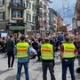 Grossaufgebot der Polizei begleitet Demonstration in Zürich
