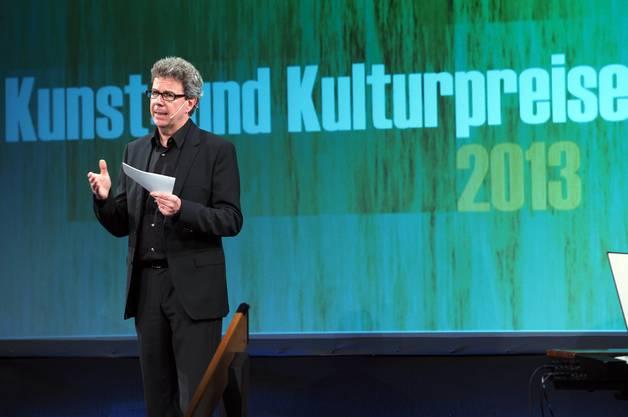 Heinz Jeker-Stich, Präsident des Kantonalen Kuratoriums für Kulturförderung, führte durch den Abend.