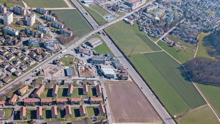 Sind heute nicht mit Anschluss verknüpft: Die A1 führt unter der Gränicher-/Suhrerstrasse hindurch.