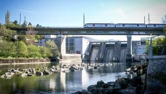 Wie viel Entgelt gibt es künftig für die Wasserkraft? Im Bild das Limmatkraftwerk in Wettingen.