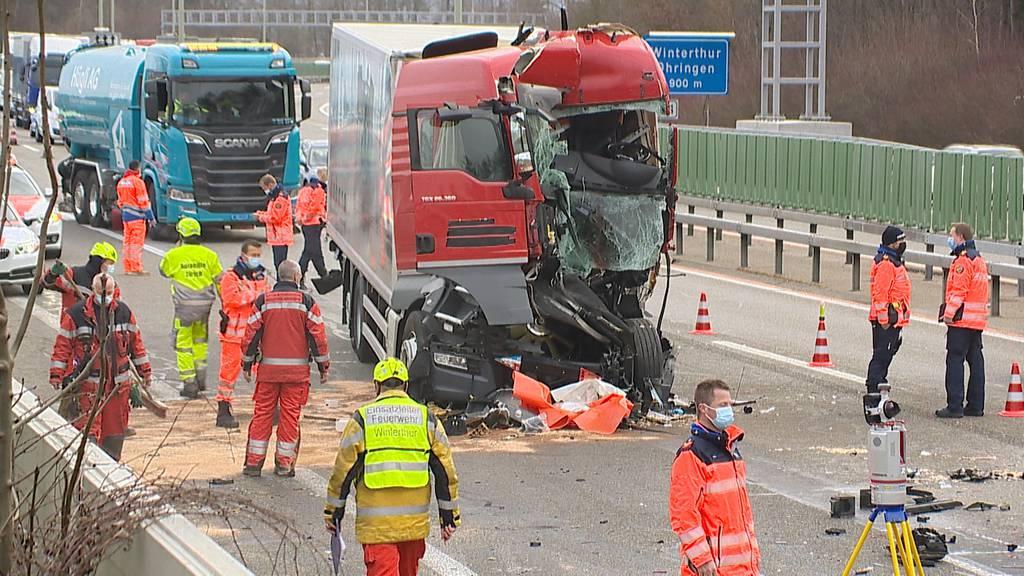 Verkehrschaos: A1 bei Winterthur nach Kollision zweier Lastwagen gesperrt