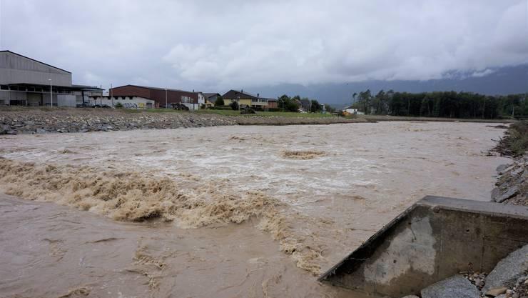 17. Juni: Hoher Wasserstand bei der Emme bei Derendingen.