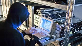 """Über die Zuger Firma Crypto sollen ausländische Geheimdienste Staaten abgehört haben. Der Bundesrat hat aufgrund von Recherchen der """"Rundschau"""" eine Untersuchung veranlasst. (Symbolbild)"""
