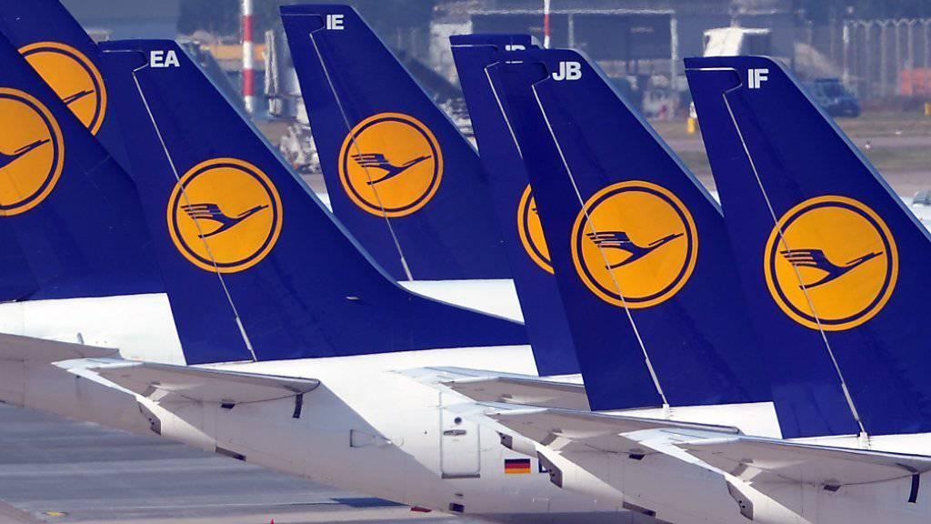 Bei der Lufthansa soll es ab kommenden Freitag zu Streiks kommen (Symbolbild).
