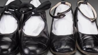 Kindertanzschuhe der 2014 gestorbenen US-Schauspielerin Shirley Temple. Sie gehören zum Nachlass des einstigen Kinderstars, den das Auktionshaus Heritage Auction Anfang Dezember versteigert.