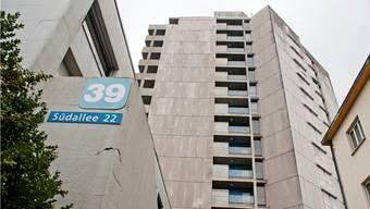 Ein Bewohner der Asylunterkunft im ehemaligen Schwesternhaus an der Südallee 22 ist mit dem Coronavirus infiziert worden. (Archivbild)