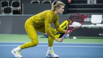 Eugenie Bouchard trainierte in Biel im auffälligen Tenüe - im Ernstkampf werden die Schweizer Tennisfans Bouchard nicht zu sehen bekommen.