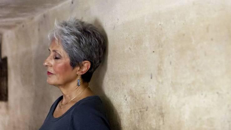 Sängerin Joan Baez (77) geht diesen Sommer auf Abschiedstournée. Auf den Ruhestand freut sie sich nicht: Nichtstun sei anstrengend, wenn man es gewohnt gewesen sei, aktiv zu sein. (Archivbild 2013)