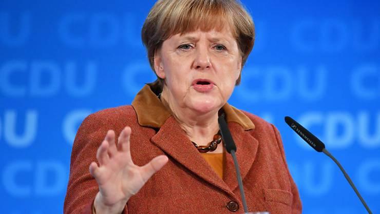 Rund zwei Wochen nach der Kandidaturankündigung von Angela Merkel befindet sich ihre Partei auf dem höchsten Umfragestand seit Anfang Jahr. (Archivbild)