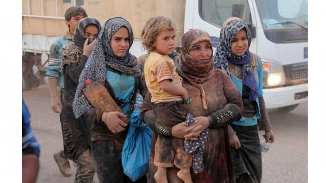 Syrische Flüchtlinge erreichen Jordanien. Foto: Keystone