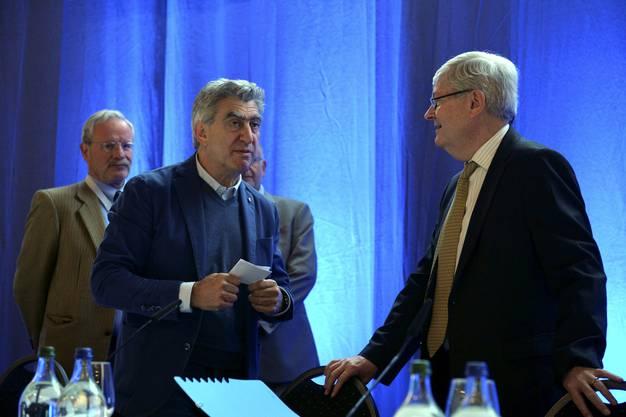 Nick Hayek im Gespräch mit Hanspeter Rentsch, Swatch-Chefjurist, Bettlach