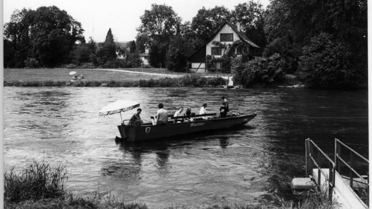 Die Fähre dürfte bereits vor der Gründung des Klosters Fahr bestanden haben. Seit 1981 wird sie vom Wasserfahrverein Schlieren und der Seepfadi Zürich betrieben.