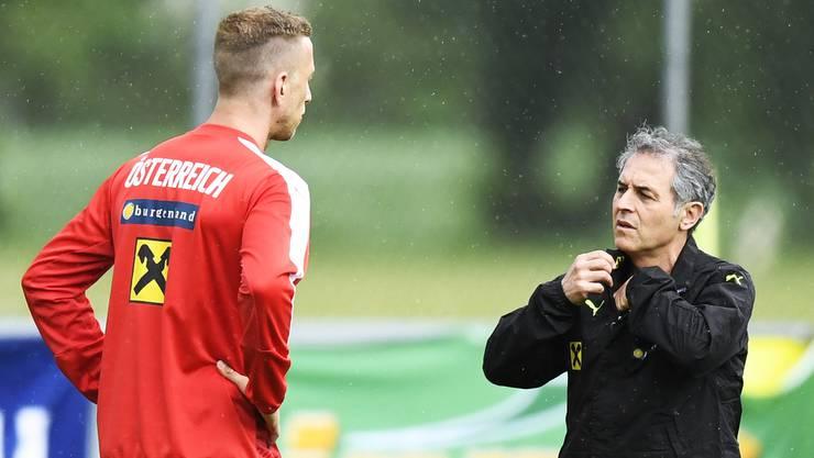Marc Janko und Österreichs Ex-Teamchef Marcel Koller während eines Trainings des ÖFB-Teams