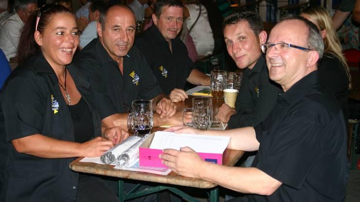 Neue Gesichter im OK Barbara Gysling (links), Rolf Wyssling (2. v.l.), Jürg Zahner (2.v.r.) und der bisherige Präsident Rolf Wild (rechts)