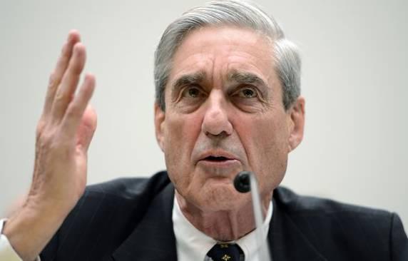 Robert Mueller ist fein raus, weil eine unabhängige Jury die Anklage gegen Manafort erhoben hat.