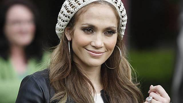 Sängerin und Schauspielerin Jennifer Lopez posiert in Köln