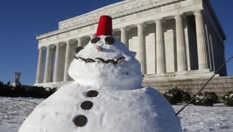 Ein Schneemann vor dem Lincoln-Denkmal in Washington