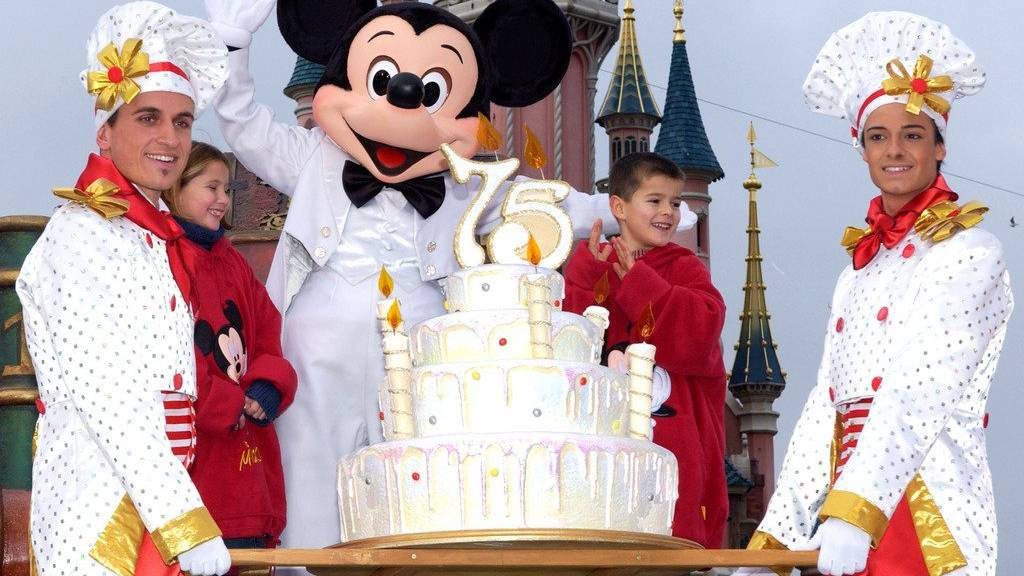 Grund zum Feiern: Das Micky-Maus-Magazin wird 65 Jahre alt.