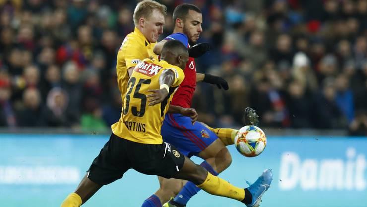 Wird die Schweizer Fussballmeisterschaft - hier Basel gegen YB - schon bald in einer Zwölferliga entschieden?
