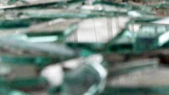 Tatwaffe Glas: Eine Frau wurde zu 32 Monaten Freiheitsstrafe verurteilt (Symbolbild)